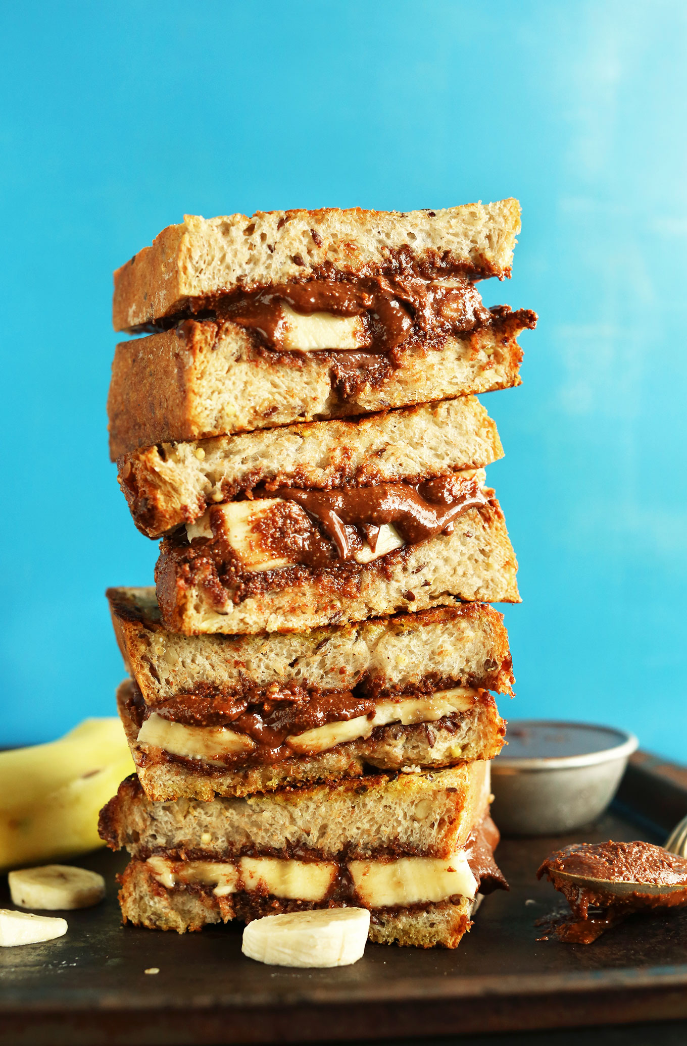 AMAZING-4-Ingredient-Grilled-Banana-Nutella-Sandwich-Entirely-vegan-so-crispy-and-SO-delicious_-vegan-minimalistbaker-nutella